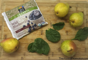 How to Make Spinach, Blueberry and Pear Baby Puree