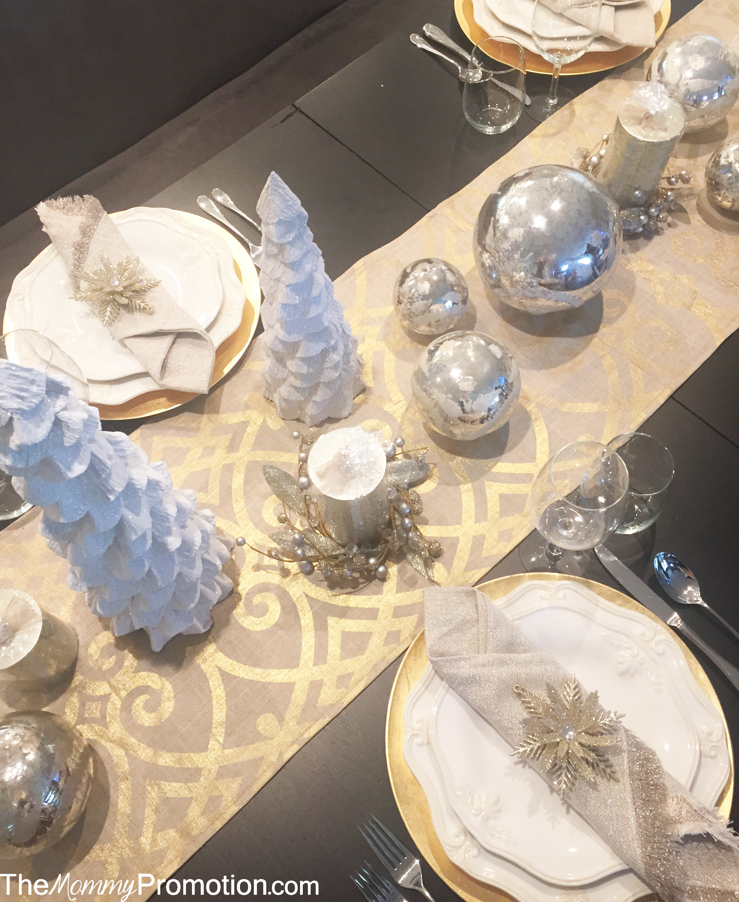 Christmas Tablescape_Holiday_Gold and Silver_Glitter_Decor_World Market_The Mommy Promotion