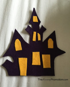 halloween-felt-board_crafts-for-kids_diy_1-year-old-craft_stencil-felt_the-mommy-promotion