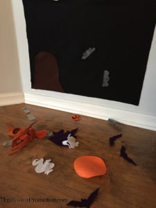 halloween-felt-board_crafts-for-kids_the-mommy-promotion_diy